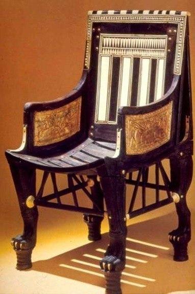 Historia del sector de la madera y el mueble blog for Mueble que se pone a los pies de la cama